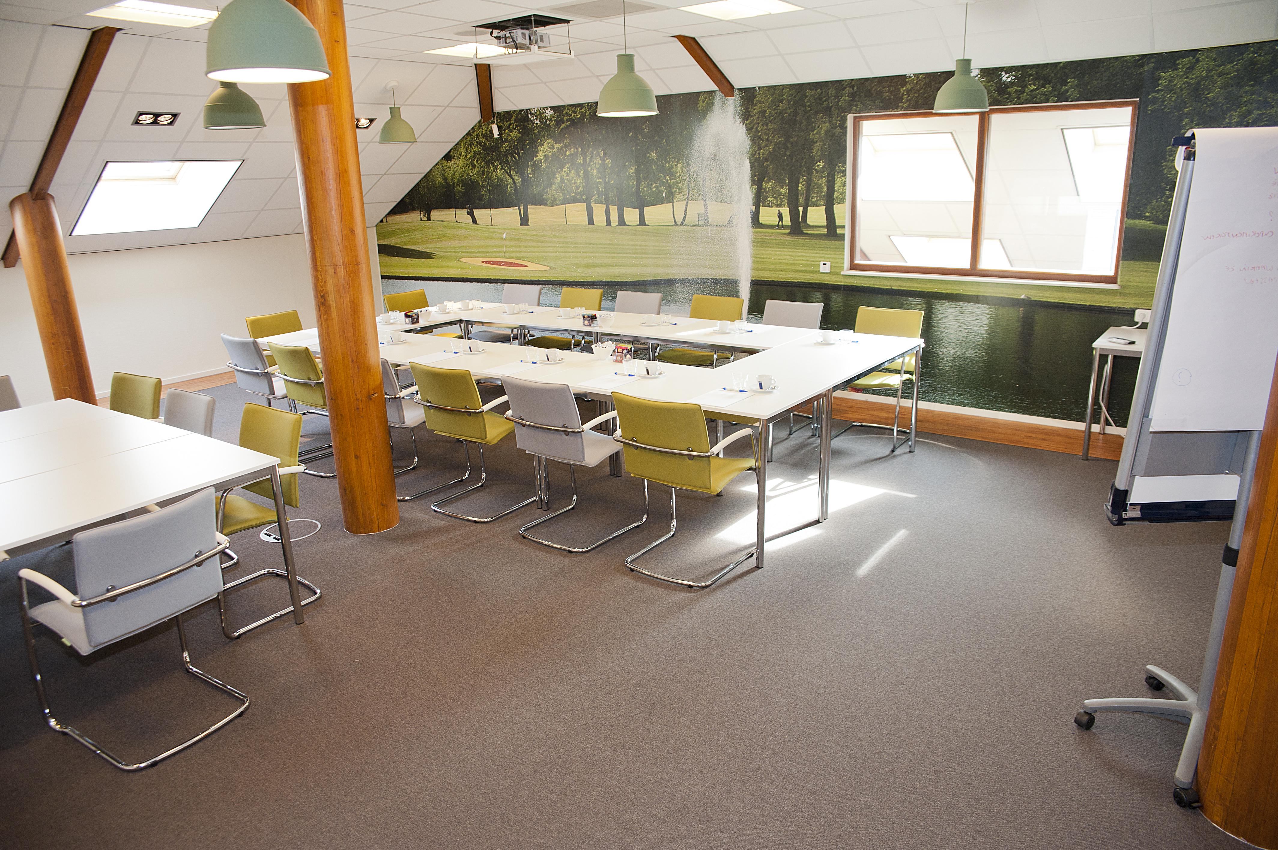 Grote vergaderzaal (2).jpg